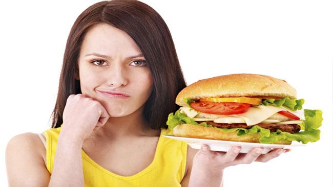 ăn uống thiếu chất xơ gây bệnh trĩ